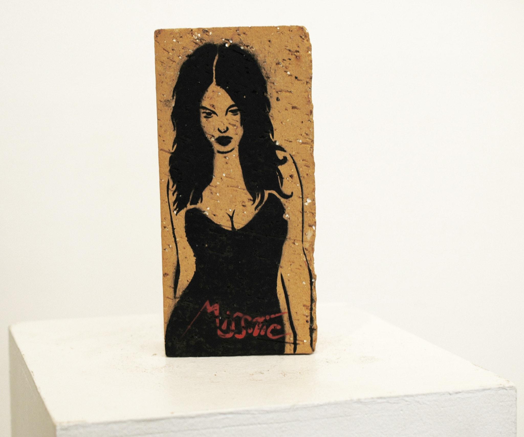 Galerie Art Jingle MISS.TIC Trouver Un Avenir Au Futur (Réf. 6) 22 cm x 10.5 cm x 5.5 cm 2020 Devant n6